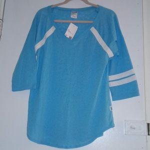 NWT SOFFE V-Neck Junior T-shirt